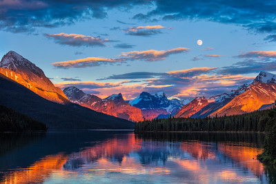 Maligne Lake Full Moon