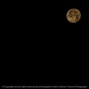 015-moon-wdsm-01dec20-03x03-006-400-8943