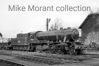 Austerity 2-8-0 no. 90589 with a 26A Newton Heath shed plate. [Mike Morant collection]