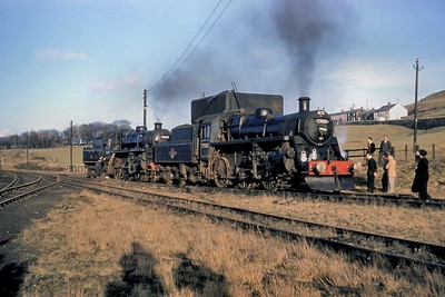 RCTS: Stainmore Limited 20/1/62. BR Standard moguls, 3MT no. 77003 and 4MT 76049, at Tebay. [Mike Morant collection]