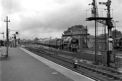 BR Standard 9F no. 92220 Evening Star was only four months old when this picture was taken of her arriving at Salisbury at 13.21 whilst in charge of the 10.10 ex-Cardiff on 21/7/60. [Mike Morant collection]