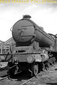 Former NER Raven designed B16/1 class 4-6-0 no. 61422 at Darlington following withdrawal at its home shed of York in September 1961. [Mike Morant collection]