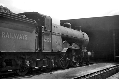 Former GNR, Ivatt C1 class atlantic no. 62822 at its home shed of 35B Grantham on June 4th, 1950. This was the one of only two C1's to see service with its BR number applied. It had been applied in the preceding February but the loco is already looking decidedly careworn in this shot taken only four months thereafter. 62822 would be withdrawn from service on November 27th of the same year. [Mike Morant collection]