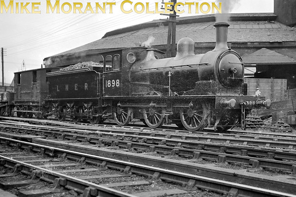 Former NER Wilson Worsdell 'P' class 0-6-0 no. 1898, depicted here at St. Margaret's shed on 2/5/1931, entered service in ?????????, was reclassified as 'J24' by the LNER and withdrawn in ???????????.<br> [<i>Mike Morant collection</i>]