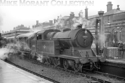 Former GCR, Robinson designed A5/1 class 4-6-2T no. 69820, bearing a Lincoln shed plate, at Derby (Midland) station on an unspecified date. [Mike Morant collection]