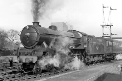 Gresley B17/6 class 4-6-0 no. 61653 Huddersfield Town departs from Boston on 19/2/58. [Mike Morant collection]
