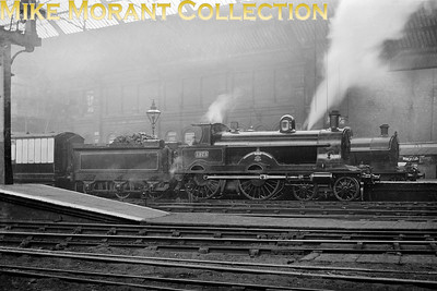 LNWR Webb designed `Alfred the Great' class 4-cylinder compound 4-4-0 no. 1973 Hood was built in August 1903 with Crewe works no. 4337 and is depicted here at Manchester Exchange station in 1913. Hood was ebuilt as a simple 'Renown' class in September 1921 but scrapped only five years later in 1926 having never carried her allocated LMS No 5175 [Mike Morant collection]