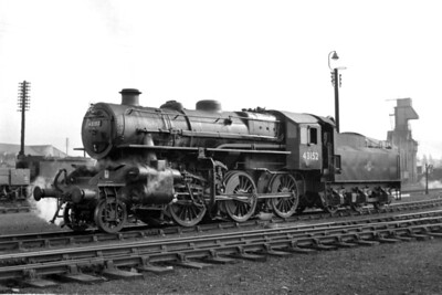 Ivatt 'Flying Pig' 4MT 2-6-0 no. 43152 at Grantham mpd on an unspecified day in July 1961. Despite 43152's obvious LMS origins it was otherwise entirely an eastern Region engine which was a product of Doncaster Works and would always be allocated to BR(E) sheds. When this shot was taken 43152 was allocated to Colwick whence withdrawal would come in January 1964 after a service life of a beggarly 12 years. [Mike Morant collection]
