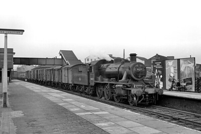 Watford allocated, Ivatt 'Mickey Mouse' 2MT 2-6-0 no. 46431 in charge of an Up fitted freight at Watford Junction station on 7/7/62. [Mike Morant collection]