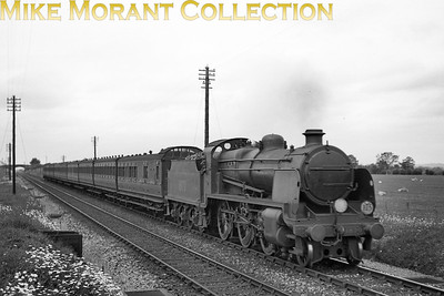 Southern Railway, Maunsell 'N' class mogul no. 1870 heading a special for Deal at Smarden on 6/6/1938. [J. H. Venn / Mike Morant collection]