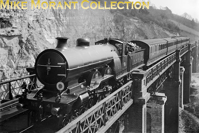 LBSCR Marsh H1 class atlantic no. 39 crosses Riddlesdown viaduct whilst in charge of a Brighton to London via Oxted service in 1909. [W. S. Gray / Mike Morant collection]