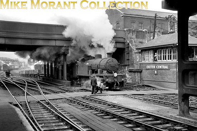 An undated shot of Maunsell 'Z' class 0-8-0T no. 30955 cresting the steep climb from Exeter St. David's and passing Central's 'B' box. 30955 was an Exmouth Junction engine from April 1958 until withdrawal in December 1962. [Trefor David / Mike Morant collection]