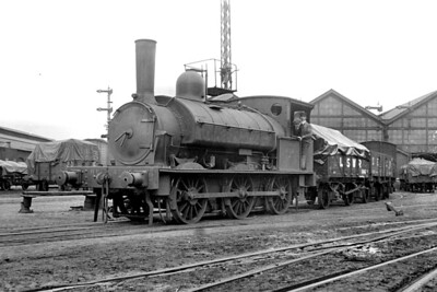 Nine Elms goods depot on 10/4/1920 is graced by the presence of LSWR '330' class 'Beyer' 0-6-0ST no. 414 which had been built by Beyer Peacock in June 1882 and would be withdrawn by the Southern Railway in December 1924. [H. C. Casserley / Mike Morant collection]