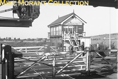British Rail, Southern Region level crossing and signal box at Goring-by-Sea on 18/10/80. [Mike Morant collection]