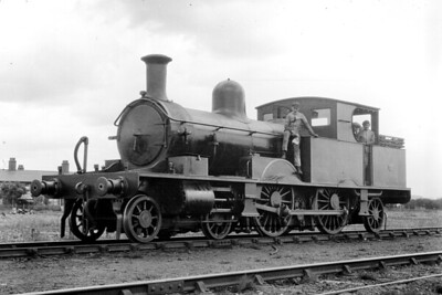 An unidentified LSWR Adams 4-4-2 radial tank at Eastleigh on 28/5/1921. The number is either 125, 126 or 129 all three of which had been built by Robert Stephenson & Co. in 1885. [Mike Morant collection]