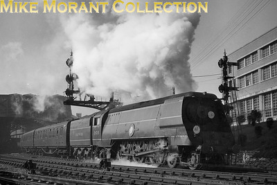 Bulleid original Merchant Navy pacific no. 21C15 Rotterdam Lloyd accelerates away from Bournemouth Central with a Waterloo bound express in early 1948. [Mike Morant collection]