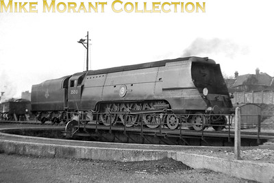 Bulleid original 'Merchant Navy' pcific no. 35010 Blue Star, a Nine Elms engine at the time, at Bournemouth mpd in 1952. 35010 would be rebuilt in January 1957 and subsequently withdrawn at Bournemouth shed in September 1966. [Mike Morant collection]