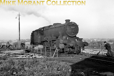 Stanier 8F 2-8-0 no. 48649 occupies the turntable at Hither Green mpd. 48649 was a 1A Willesden engine at the time. [Mike Morant collection]