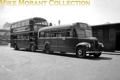 London Transport GS23 at Hertford bus station in the summer of 1955. [Photo taken by Mike Morant