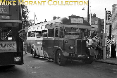 London Transport 10T10 Green Line no. T682, registration no. EYK 317 with garage plate WR (Windsor), on route 718 to London. [Mike Morant collection]