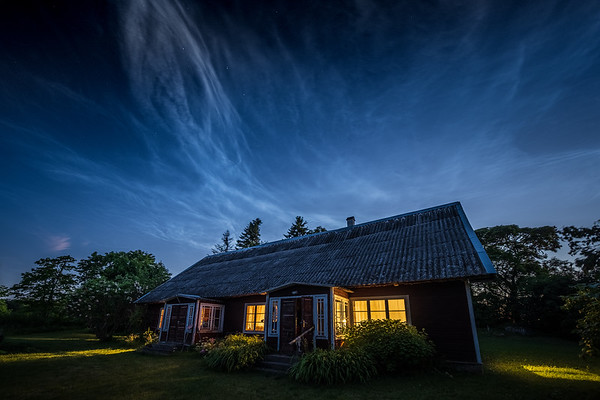 COUNTRYHOUSE UNDER NOCTILUCENT CLOUDS