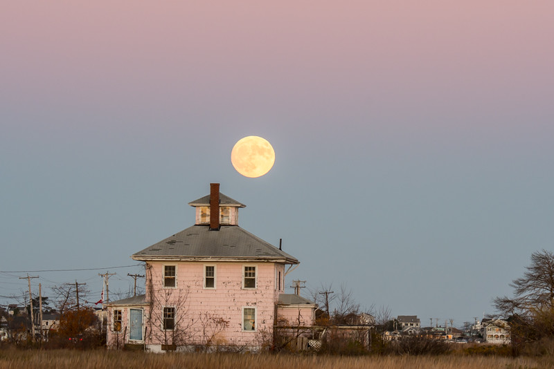 """Supermoon over the """"Pink House"""""""