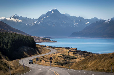 Lake Pukaki and hazy Mt Cook on a beautiful autumn's day!