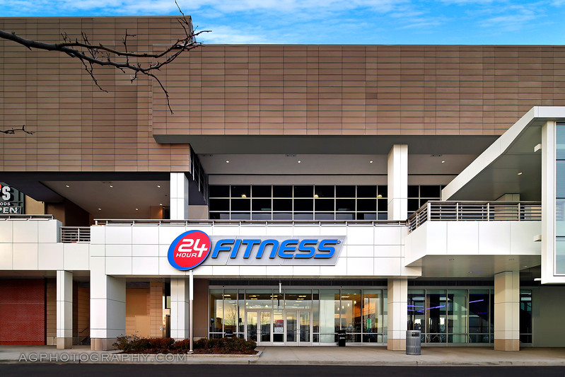 24 Hour Fitness, Club 730 - Valley Stream Super Sport, NY. 1/4/17.