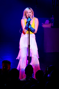 Carly Rae Jepsen Performs in Toronto