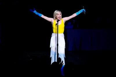 Carly Rae Jepsen Performs in Toronto
