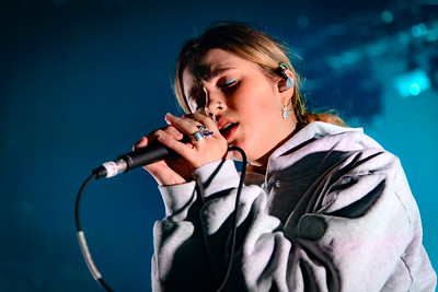 Clairo Performs in Toronto