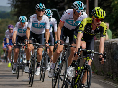 Tour of Britain 2018 - Stage 1, Pembrey to Newport. Peloton: Lucas Hamilton (Mitchelton-Scott),  176 Ian Stannard (Team Sky), 174 Vasil Kiryienka (Team Sky), 175 Wout Poels (Team Sky), 172 Chris Froome (Team Sky), 171 Geraint Thomas (Team Sky), 161 Ben Swift (Great Britain-GBR).