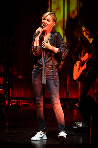 Dido Performs in Toronto