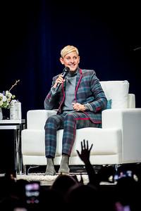 Ellen Lee DeGeneres Performs in Toronto