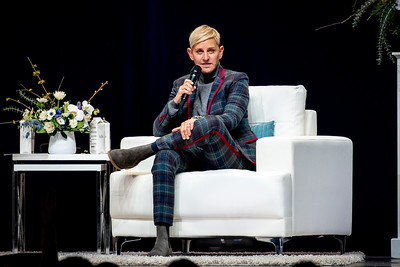 Ellen Lee DeGeneres Performs in Toronto
