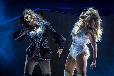 Gloria Trevi & Alejandra Guzman  Perform in Toronto