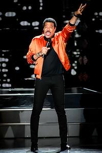 Lionel Richie Performs in Toronto