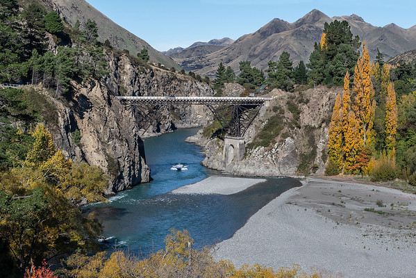 Hanmer Springs bridge across the Waiau River - Canterbury