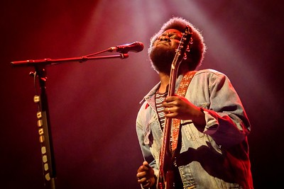 Michael Kiwanuka Performs in Toronto