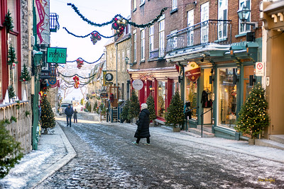 Christmas Shopping in Old Quebec