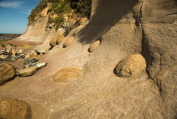 Boulders down the coast from the famous Moeraki boulders