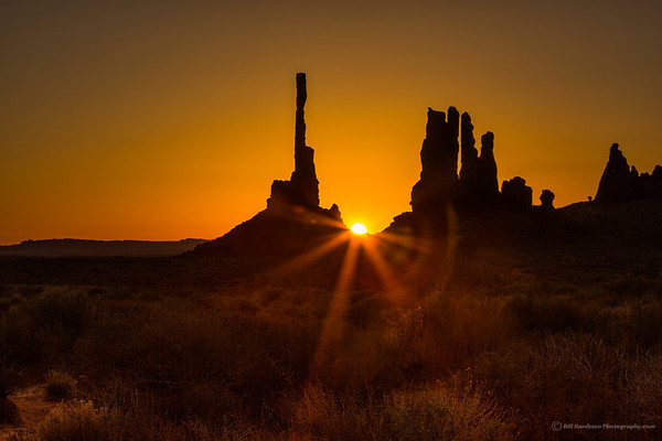 Sunrise over Totem Pole in Monument Valley