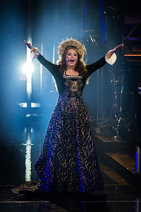 Sarah Brightman Performs in Toronto