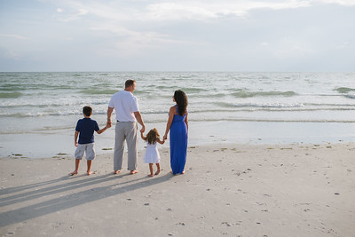 Tradewinds Resort Family Beach Photos
