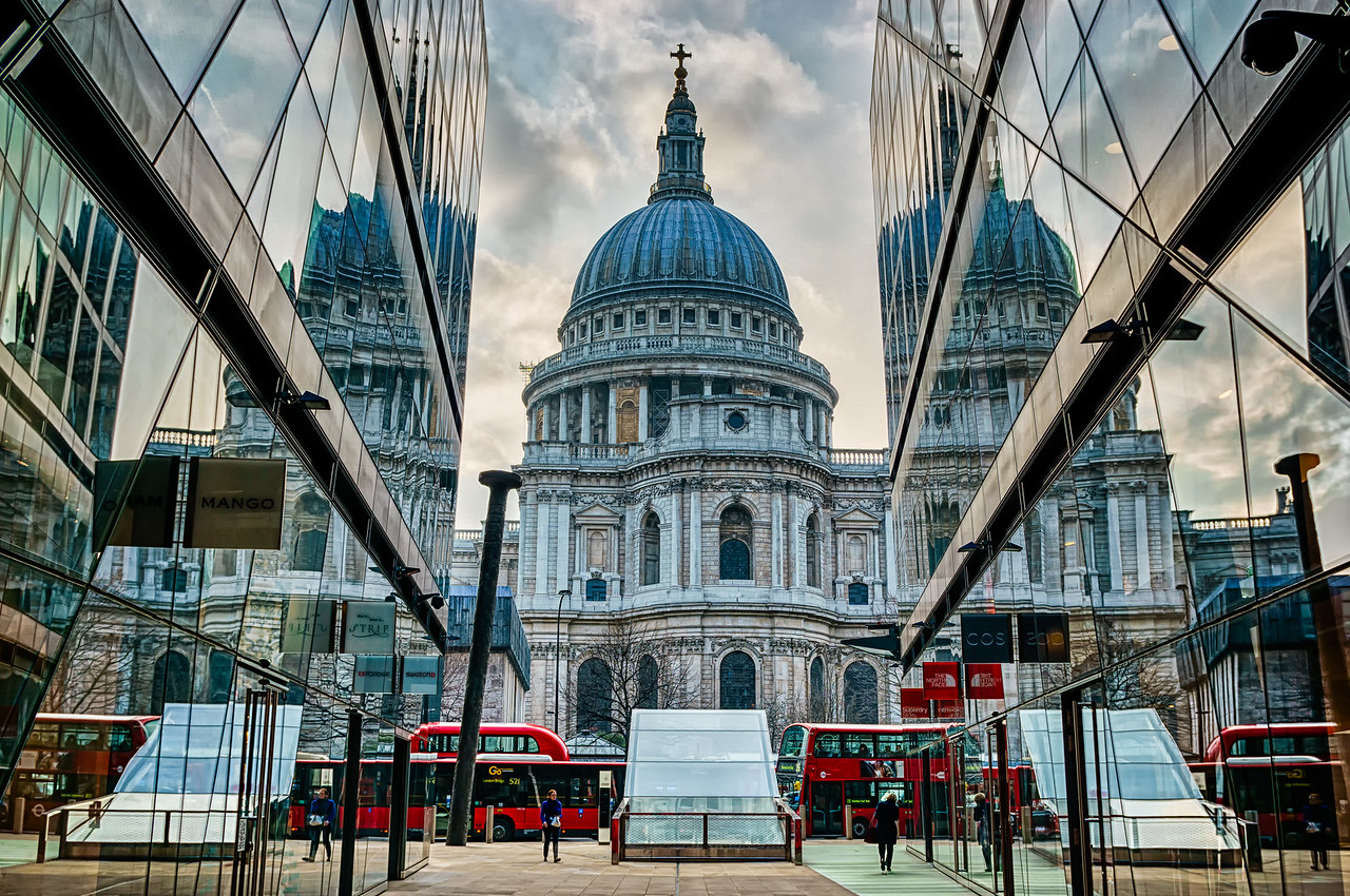 Shoppers' view of St Pauls