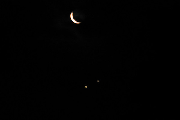 263 Moon, Saturn, Jupiter cloud coming rush = out of focus