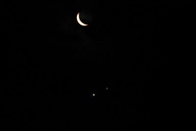 263 Moon, Saturn, Jupiter cloud coming rush = out of focus