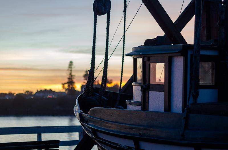 santa cruz sunset boat