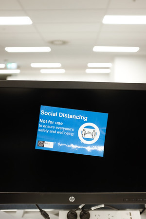 164 Social distancing in the office