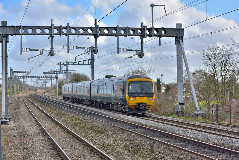 Turbo 165111 stretches its legs past Burham working 1D24 11.50 service from Paddington to Oxford<br /> <br /> 25 January 2018
